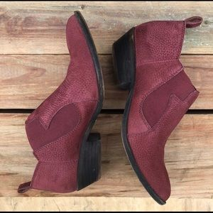 LUCKY BRAND burgundy ankle booties. Size 6.5.